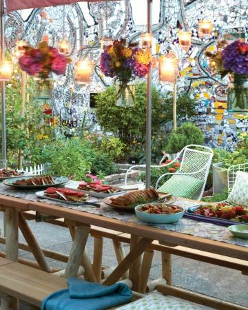 mld106444_0311_a100813_garden_party_table_vert