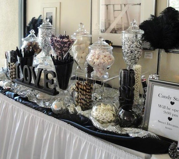 Black-White-Silver-Candy-Station-Flor-Vasquez-Weddin-UCI-Club-013