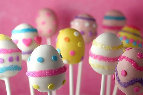 Easter - Easter decor - holiday decorating - decor - easter bunny - easter egg - easter candy - easter egg candy pops - cake pops - food - crafts - creative DIY via pinterest